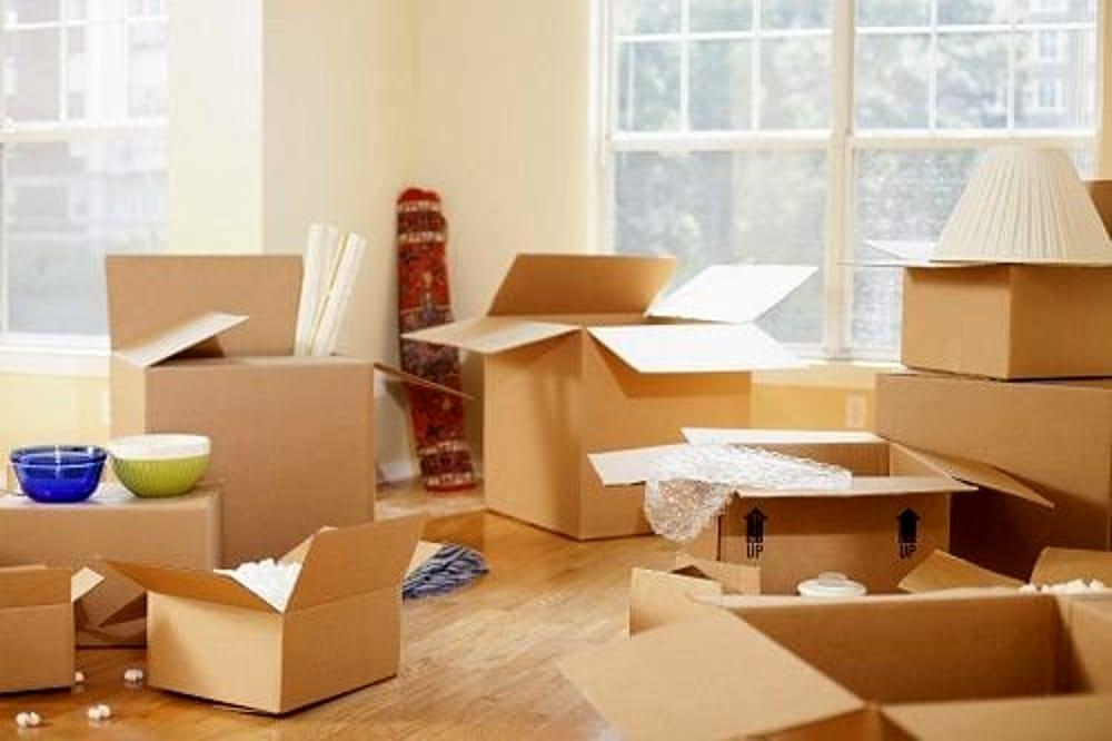 Come si organizza un trasloco domestico o aziendale: differenze